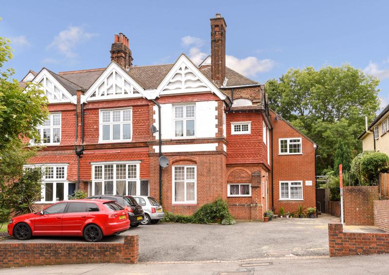 Oakwood Avenue,  Beckenham,