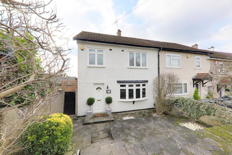 Grosvenor Close, Loughton, Essex