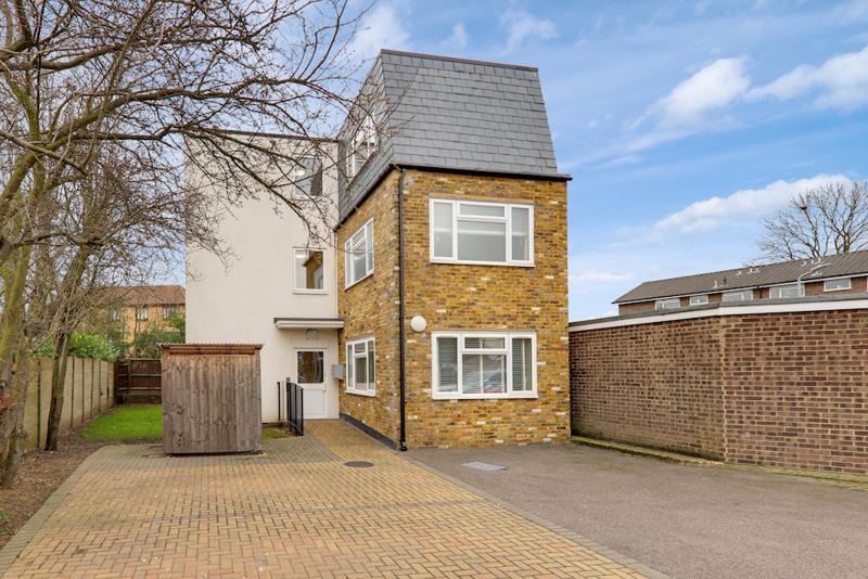 Manor Road, Gidea Park, Essex