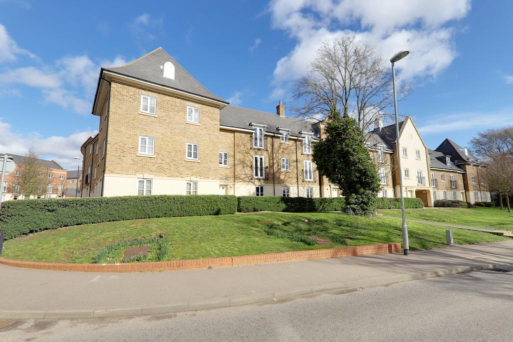 College Close, Loughton, Essex