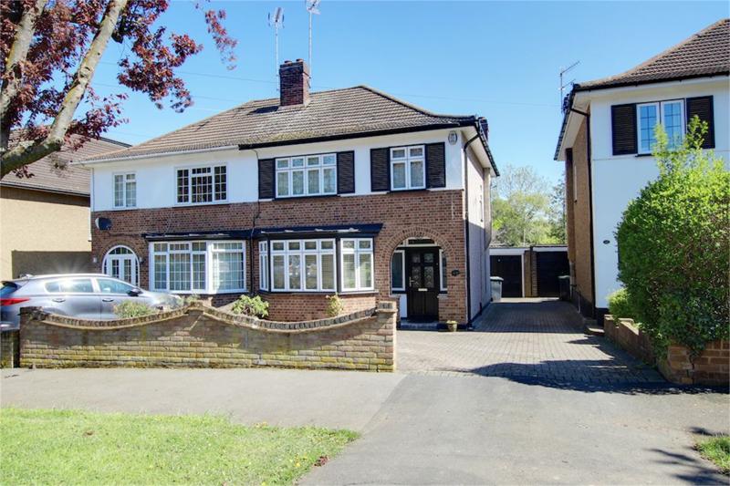 Roundmead Avenue, Loughton, Essex