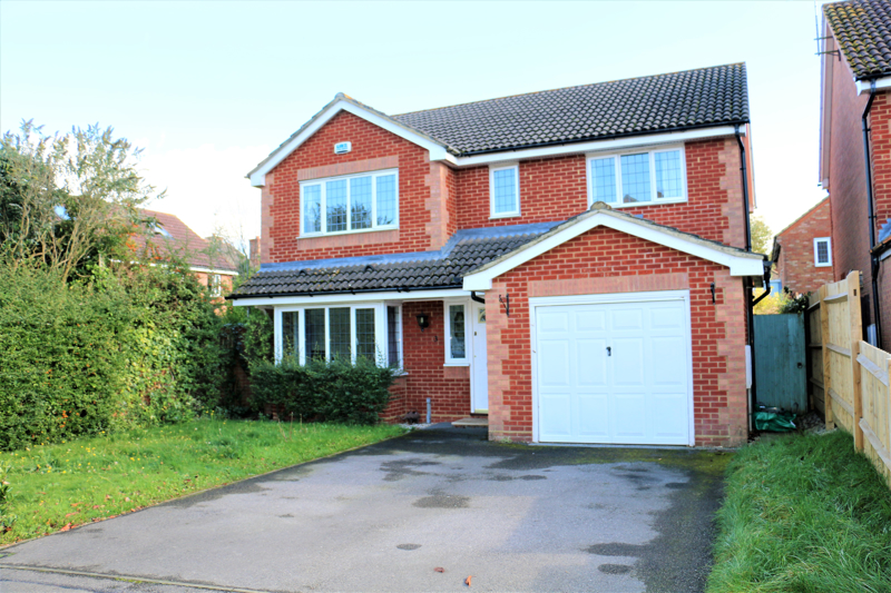 4 Bedroom Detached House For Sale In The Smithy Bramley Tadley