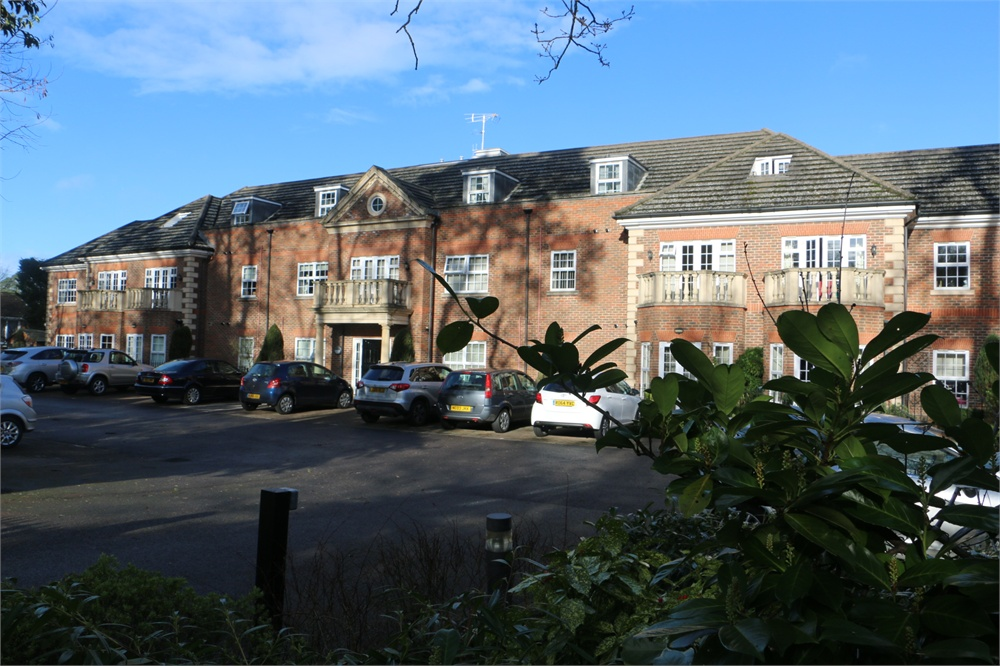 Wellesley Court, Dukes Ride, CROWTHORNE